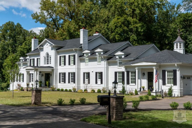 Louisville Custom Builder New Homes in River Glades