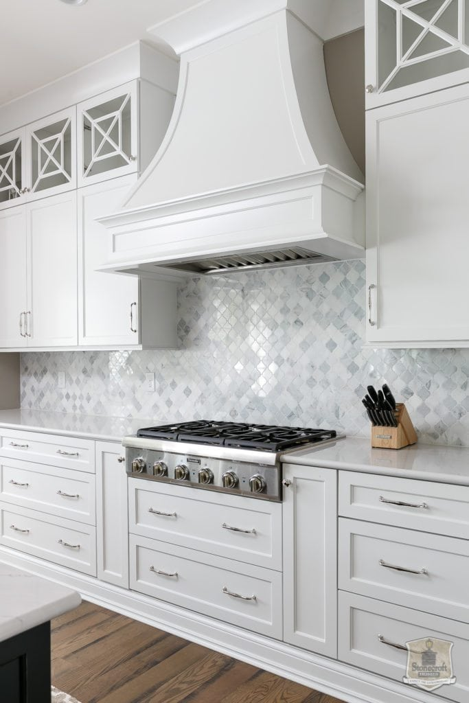 White Kitchen | Southern Cross Lighted Door Style